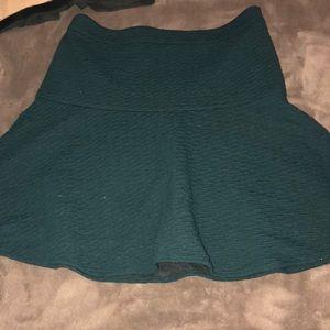 Dresses & Skirts - Skirt green Ann loft skirt